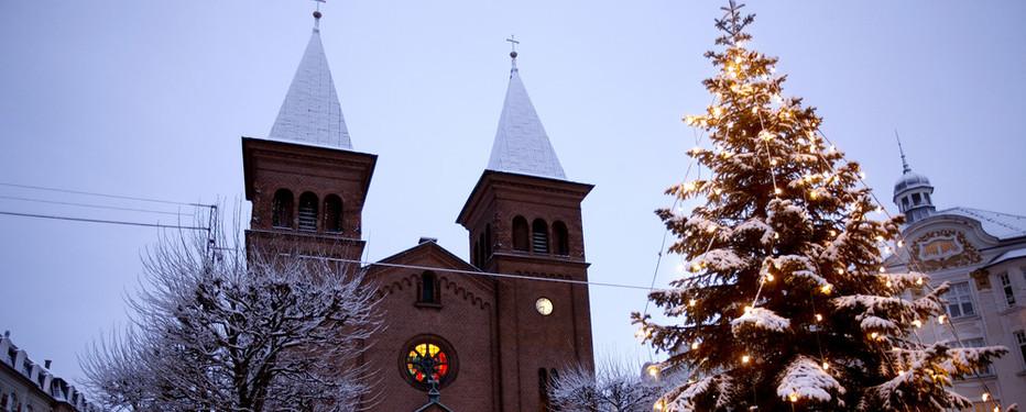 Juleaften er landets kirker fyldte til julegudstjenesterne.