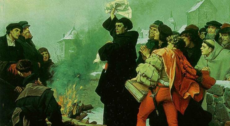 Paven udstedte en bandbulle, hvor han gav Luther 20 dage til at tilbagekalde sin kritik af afladen. Luther brændte bullen offentligt og blev få ugere senere bandyst af den katolske kirke.