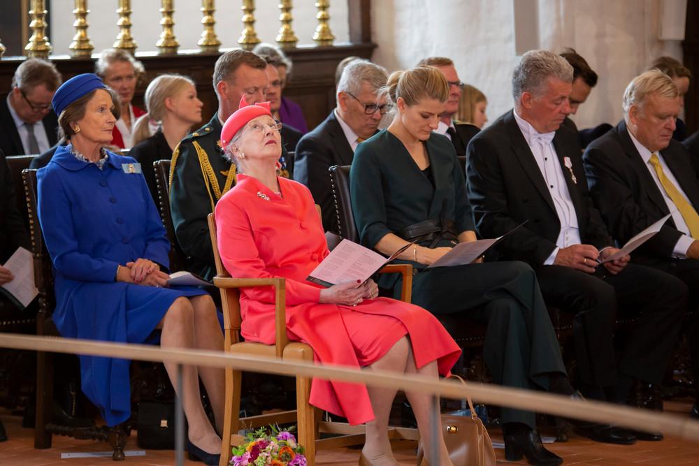 Dronning Margrethe og kirkeminister Ane Halsboe-Jørgensen