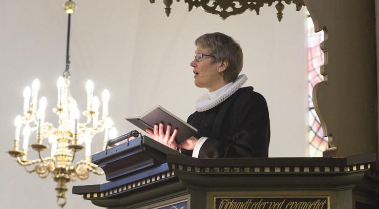 Før reformationen foregik gudstjenesten ikke på menighedens modersmål