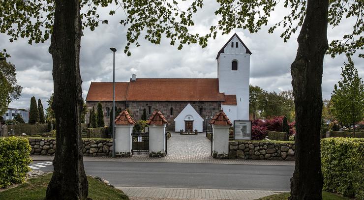 Foto af Gjellerup kirke.