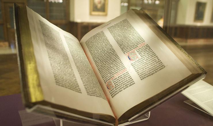 Gammel Testamente har fortællinger, lovsamlinger, poesi og profetier.