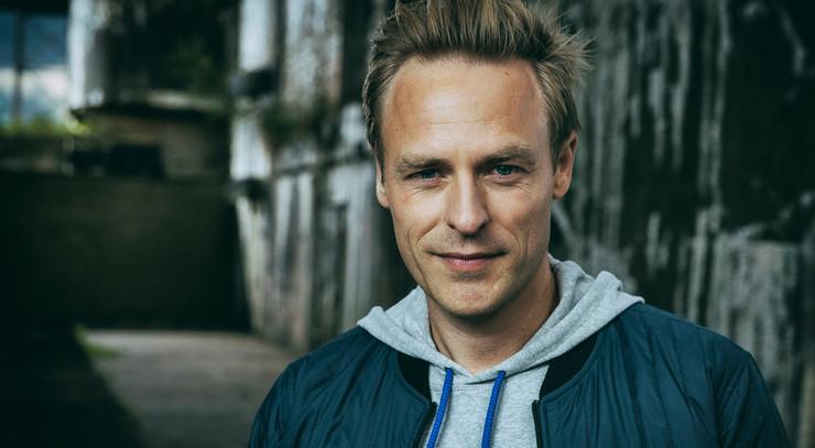Kristian Bech, vært på TV2s Station 2: Dåben giver tryghed