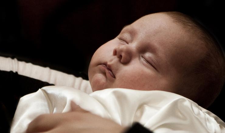 Dåbsliturgi - Sådan foregår hjemmedåb, nøddåb og fremstilling i folkekirken