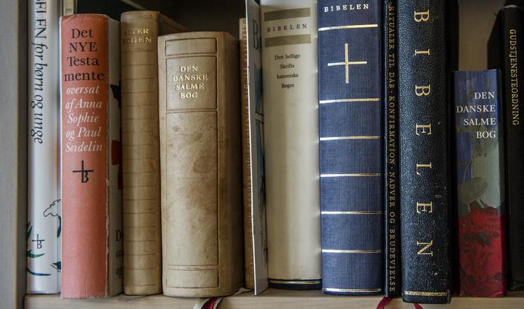 Ny Testamente er de fire evangelier om Jesus og breve og beretninger fra de tidligste kristne menigheder