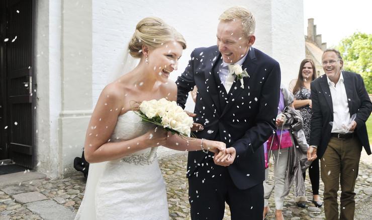 Kirkebryllup er både vielse og velsignelse af et par. Et par, som allerede er borgerligt viet kan fejre deres bryllup med en kirkelig velsignelse.