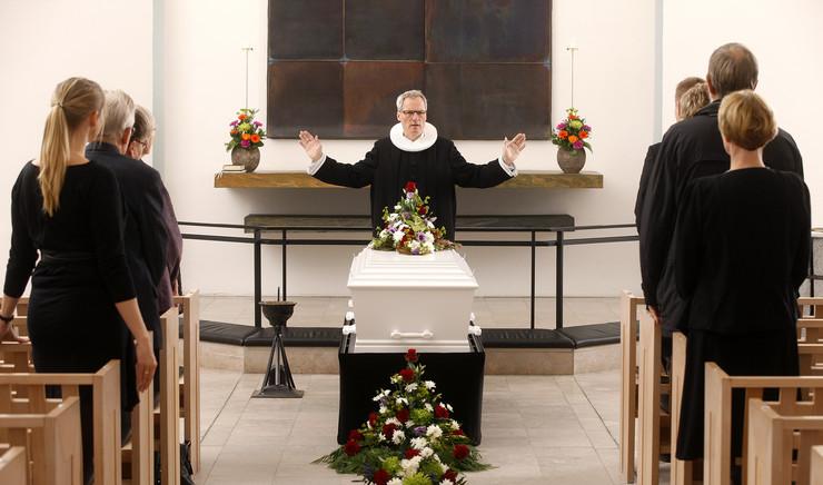Kirkelig begravelse