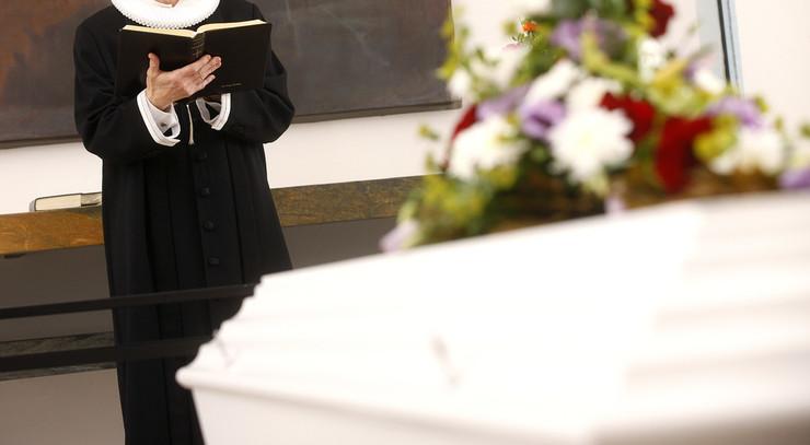 Bisættelse og begravelse