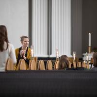 4291 Samtale i kirkerummet